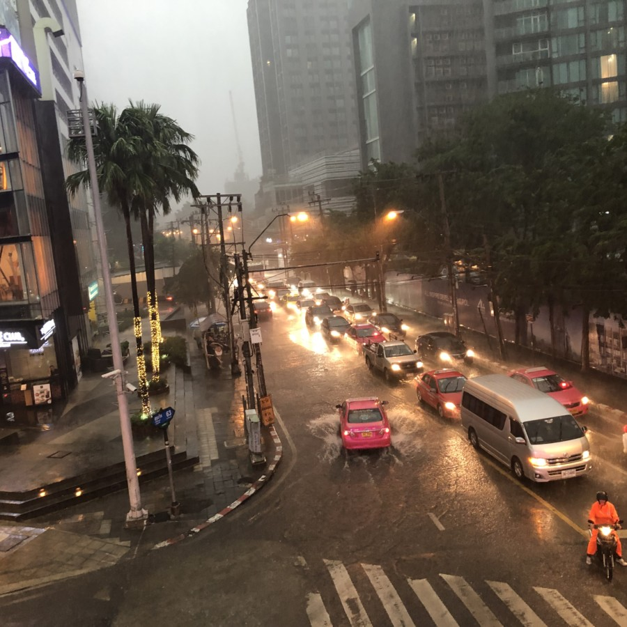 タイでの豪雨の様子