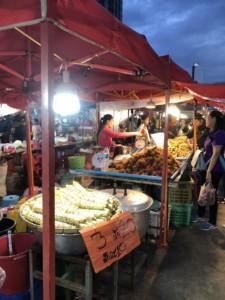 タイ近所のマーケット